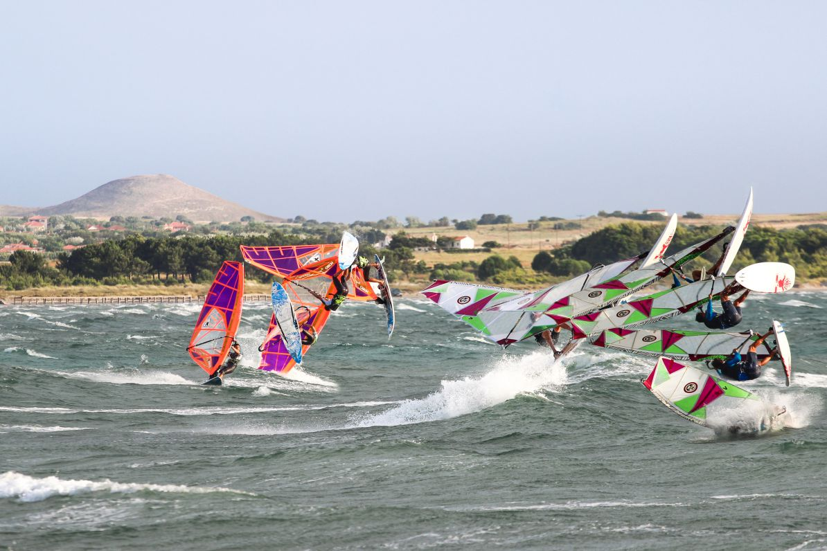 Windsurfers jumping at the Keros wave spot