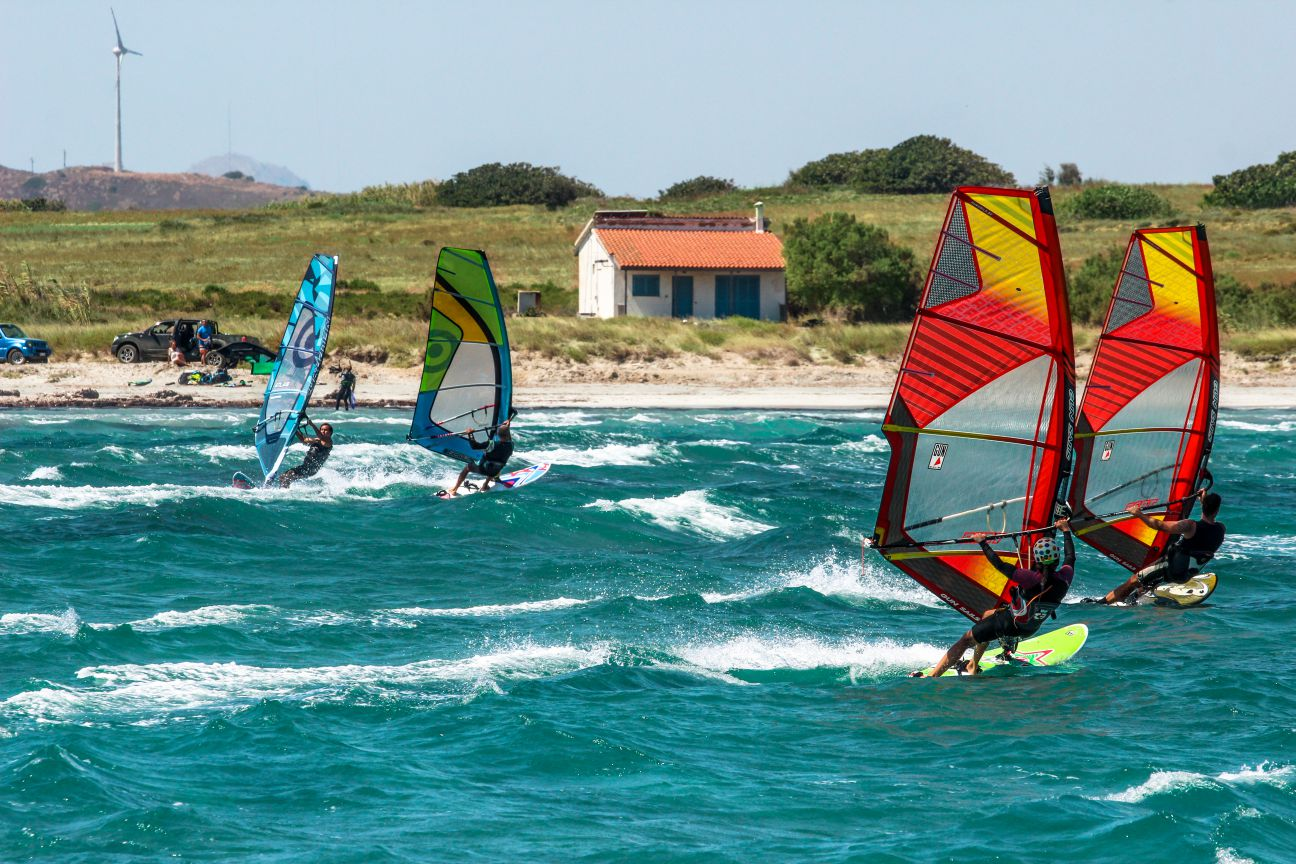 Windsurfers having fun at Keros wave spot